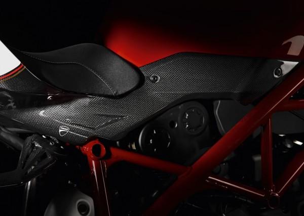 Ducati Original Sitzbank-/ Tankunterlegstreifen aus Kohlefaser für Streetfighter