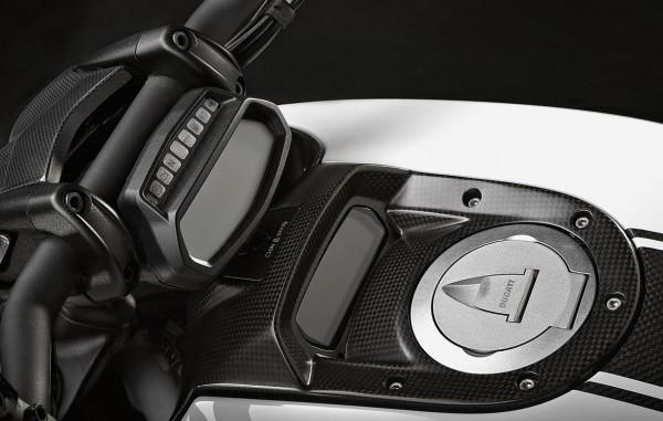 Ducati Original Untere Cockpitverkleidung aus Kohlefaser für Diavel